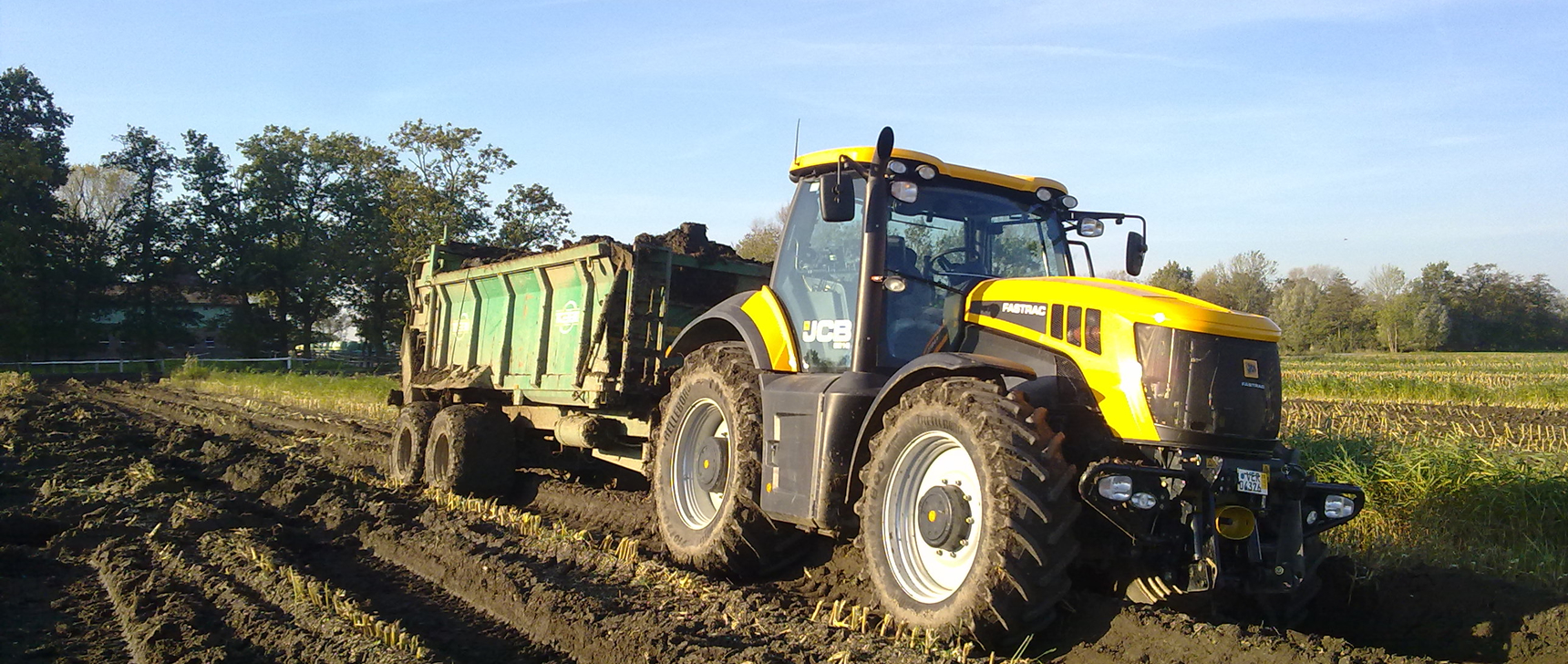 JCB Fastrac with LITE-wire LED lighting